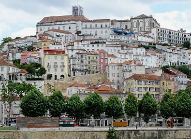 Coimbra Vol + Hôtel + Voiture