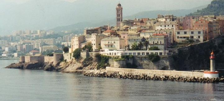 Meilleur prix Paris à Bastia