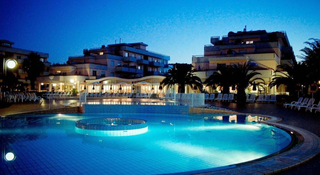 Best Hotel Le Terrazze Grottammare Contemporary - Casa & Design 2018 ...